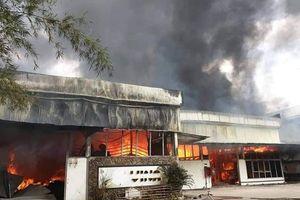 Cháy lớn tại xưởng gỗ nằm cạnh kho chứa gas