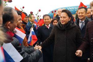 CTQH Nguyễn Thị Kim Ngân gặp gỡ cộng đồng người Việt tại LB Nga