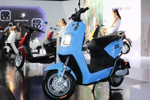 Loạt xe máy điện vừa ra mắt hút người tiêu dùng Việt