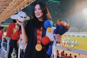 Bạn gái Văn Hậu, Văn Lâm không ngại ra nước ngoài cổ vũ người yêu