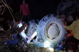 An Giang: Lái máy cày chở 11 người 'đi bão', khiến 1 người chết, 3 người bị thương