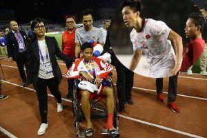 Hành động đáng khen của Văn Hậu sau pha phạm lỗi làm ngôi sao Indonesia bị chấn thương