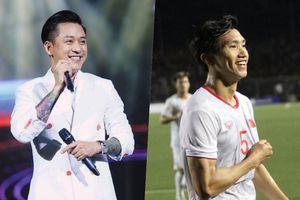 Tuấn Hưng nghẹn ngào, gọi điện cho các tuyển thủ U22 Việt Nam trong niềm xúc động: 'Anh chờ ngày 10 năm rồi'