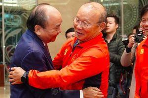 Giành chiến thắng vinh quang, U22 Việt Nam và đội tuyển nữ Việt Nam được Thủ tướng đón tiếp