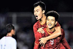 Fan Trung Quốc: 'Nhìn bóng đá Việt Nam mà cay đắng'