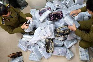 Hà Nội: Thu giữ hơn 700 túi xách 'nhái' Chanel, Gucci... tại cơ sở kinh doanh ở ngoại thành