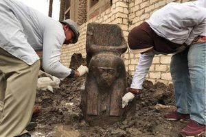 Ai Cập phát hiện tượng bán thân cực hiếm của Pharaoh Ramesses II