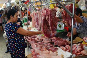 Giá thịt heo chạm mốc 280.000 đồng/kg