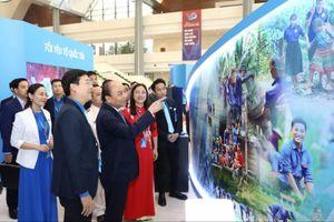 Thủ tướng Nguyễn Xuân Phúc: Tiếp sức cho thanh niên phát huy sức trẻ