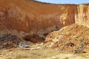 Nhiều chất thải nguy hại chôn trộm tại nơi trồng cây lâu năm ở Sóc Sơn