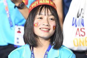 Cầu thủ nữ Hoàng Thị Loan: 'Là con gái ai cũng muốn mình thật xinh đẹp, được nhiều người khen ngợi'
