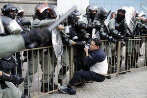 HK chi 128 triệu USD tiền làm thêm cho cảnh sát vì biểu tình