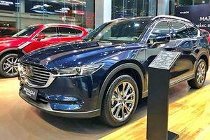 Mazda CX-8 giảm 100 triệu tại Việt Nam 'đấu' Hyundai SantaFe