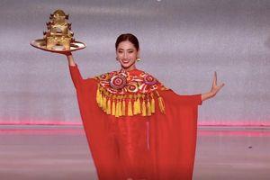 Trước giờ G, Lương Thùy Linh được dự đoán vào top 10 Miss World 2019