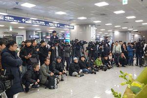 Hơn 100 phóng viên Hàn Quốc tới sân bay để chào đón U22 Việt Nam và HLV Park Hang Seo