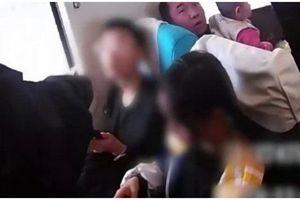 Bé gái 12 tuổi bỏ nhà theo bạn trai 15 tuổi quen qua mạng khiến cha nháo nhào đi tìm