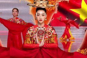 Hoa hậu Lương Thùy Linh múa mâm vàng đẹp mắt trên sân khấu Miss World 2019