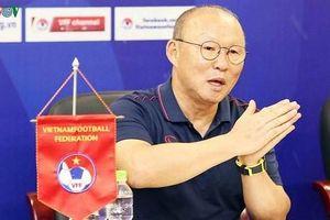 HLV Park Hang Seo và U23 Việt Nam được săn đón tại Hàn Quốc