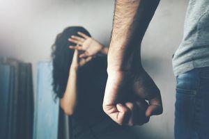 Sợ hãi vì 'bản án' chồng dành cho mỗi đêm