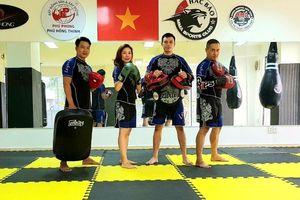 Diễn viên Johnny Trí Nguyễn làm cố vấn chuyên môn cho võ đường Hắc Báo