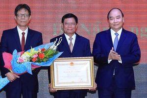 Học viện Chính trị khu vực III đón nhận Huân chương Lao động hạng nhất