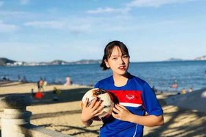 Dàn cầu thủ trẻ xinh đẹp của bóng đá nữ quốc gia gây xôn xao