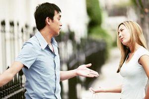 Ăn chơi quên 'chùi mép', chồng không ngờ có ngày bị gái đến 'bắt vạ' giữa nhà