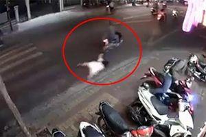 Clip: Cướp giật túi xách kéo lê cô gái trên đường ở Vũng Tàu