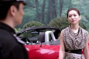 Vừa lên chức chồng liền về ép vợ ly hôn, ngờ đâu lúc rời khỏi tòa cô lại được siêu xe tới đón, danh tính vị đại gia ấy mới thật sự làm anh bủn rủn