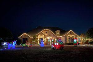 Hồng Ngọc khoe biệt thự trang trí lộng lẫy như cung điện đón Noel