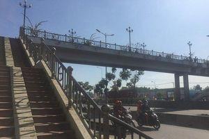 Hé lộ nguyên nhân nữ sinh gục chết trên cầu bộ hành Suối Tiên