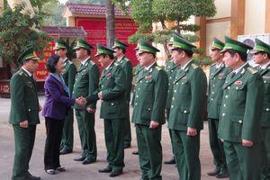 Trưởng ban Dân vận Trung ương thăm và làm việc tại BĐBP Nghệ An