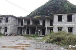 Thanh Hóa:Hàng loạt trụ sở UBND xã 'trùm mền, đắp chiếu', cán bộ làm việc trong... nhà tạm