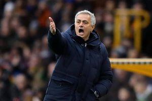 Đánh bại Wolves ở phút bù giờ, Mourinho gửi thông điệp đe dọa vị trí top 4 của Chelsea