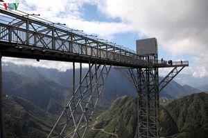 'Mục sở thị' cầu kính cao nhất Việt Nam