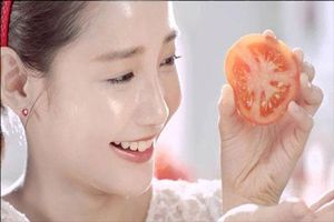 Cách giảm vết thâm mụn bằng cà chua cho làn da sáng mịn bất ngờ
