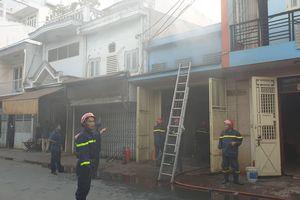 Cháy nhà vắng chủ ở quận 8, nhiều tài sản bị thiêu rụi