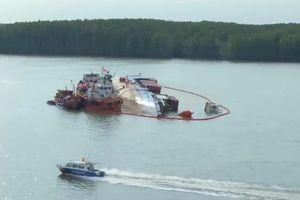 'Giải cứu' tàu đắm trên sông Lòng Tàu, lo nhất năng lực đơn vị trục vớt