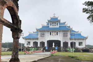 Thăm thánh đường La Vang