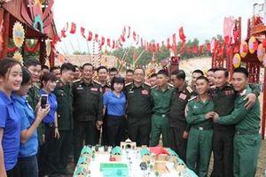 Trung đoàn 82 (Quân khu 2) và Sư đoàn 3 (QĐND Lào) kỷ niệm 5 năm kết nghĩa