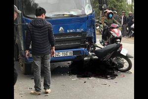 Tai nạn ở Hải Dương: Nam thanh niên tử vong sau cú đâm trực diện xe tải