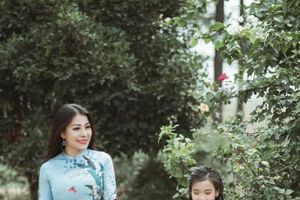 NTK Nguyễn Hằng ra mắt BST áo dài 'Xuân yêu thương'