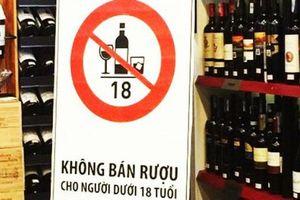 Từ 1/1/2020, chỉ người đi bộ mới được uống rượu bia trước khi ra đường