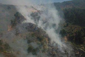 Ngày thứ 5 Đà Lạt chìm trong khói đen hôi thối do cháy bãi rác Cam Ly