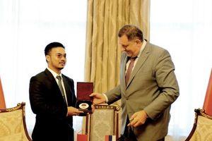 Tỷ phú gốc Việt trở thành cố vấn cấp cao của Tổng thống Bosnia