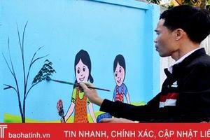 Thầy giáo Hà Tĩnh vẽ bích họa tô đẹp đường làng nông thôn mới