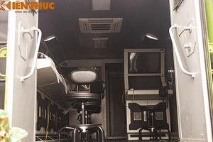 Ngỡ ngàng nội thất xe chỉ huy tác chiến điện tử do Việt Nam tự sản xuất