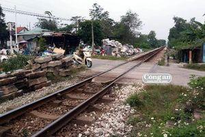 Tiềm ẩn tai nạn từ vi phạm hành lang đường sắt