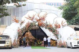Cô dâu ở đám cưới đại gia tại Quảng Ninh lo lắng vì bị chú ý