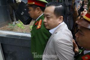 Tòa đề nghị không gọi Phan Văn Anh Vũ bằng biệt danh Vũ 'nhôm'